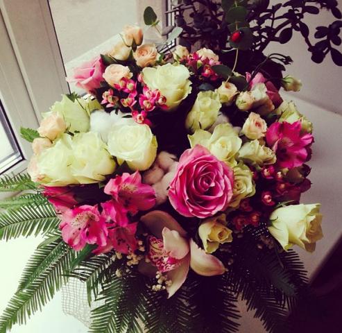 Если на 8 марта муж не подарил цветы купить белоруские розы в орше