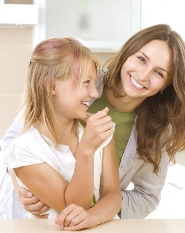 Смотреть как мама сама учит дочь